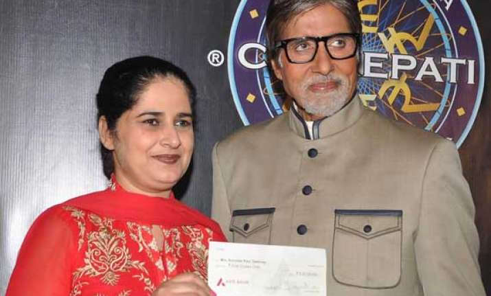 kbc 6 gets it rs.5 cr winner big b admires sunmeet kaur