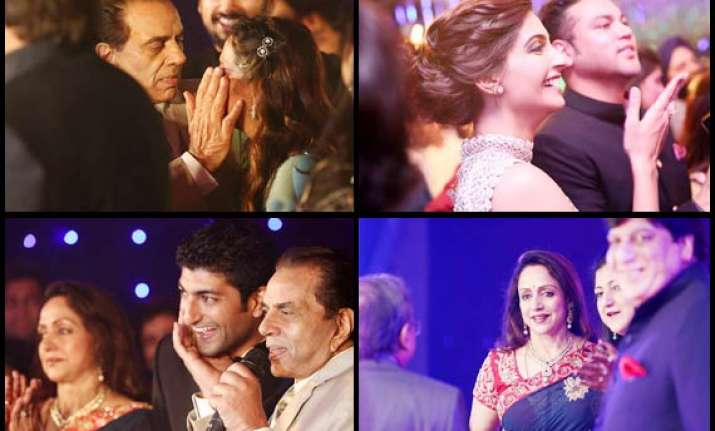 dharmendra esha got emotional at ahana deol s sangeet see