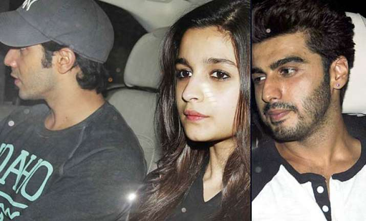 alia arrives with varun at the screening of 2 states