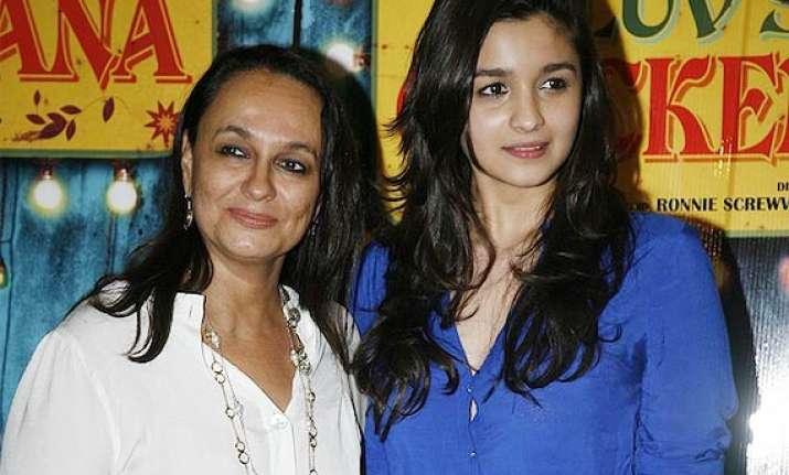 alia bhatt credits mother soni razdan for her beauty