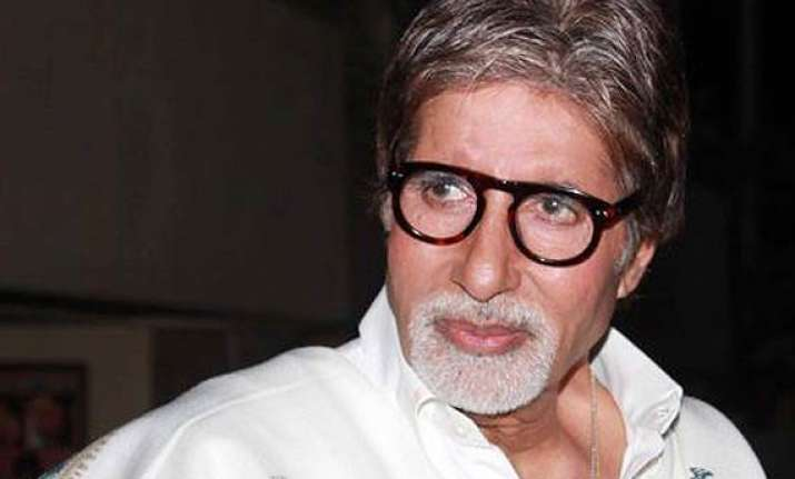 amitabh bachchan begins shooting for r balki s film