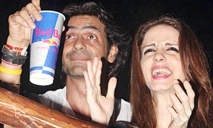 sussanne parties with good friend arjun rampal post split