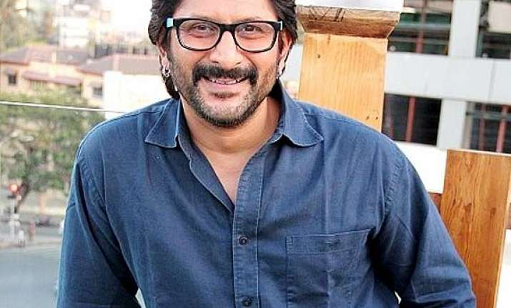 arshad warsi doesn t know how to pack his bag