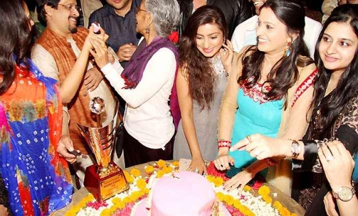 balika vadhu completes 1500 episodes ravi sargun siddarth