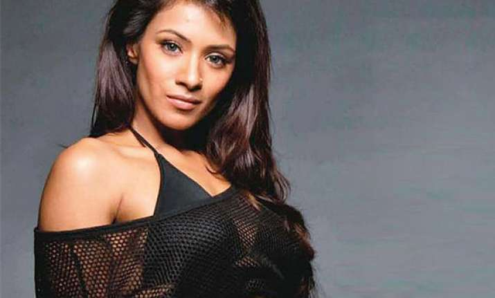 tv actress barkha bisht plays gangster with oomph