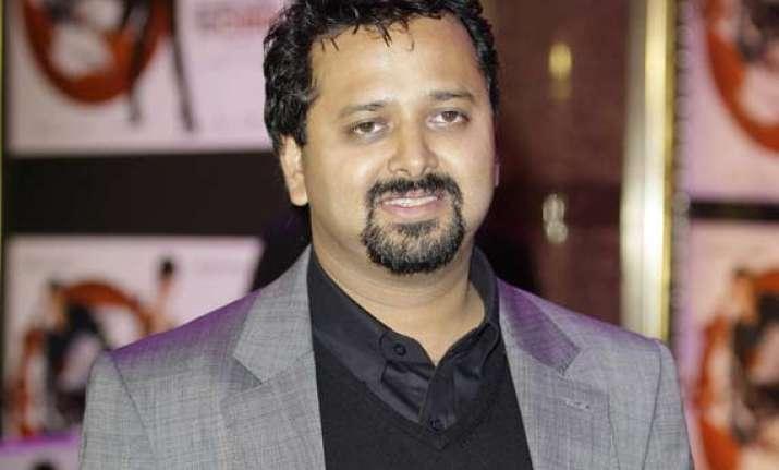 nikhil advani begins shooting for hero