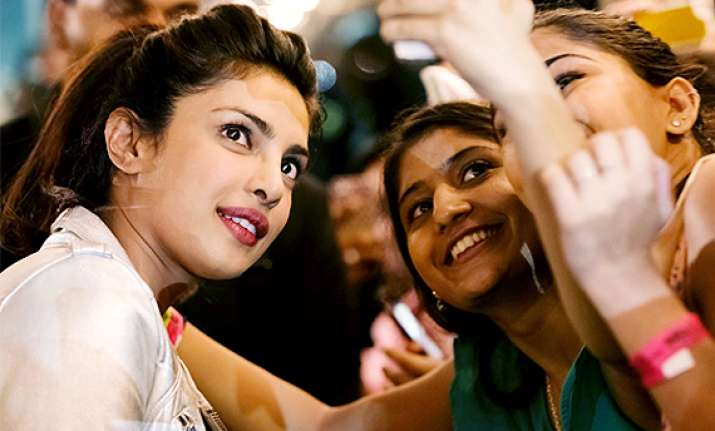 iifa 2014 bollywood stars click selfies with fans see pics