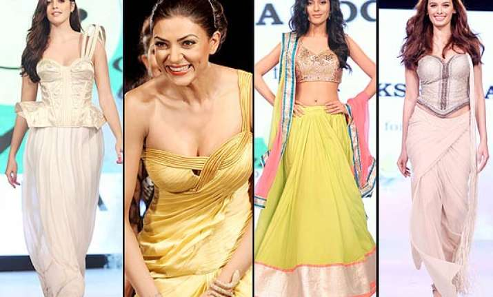 hot sushmita amrita evelyn walk the ramp for smile
