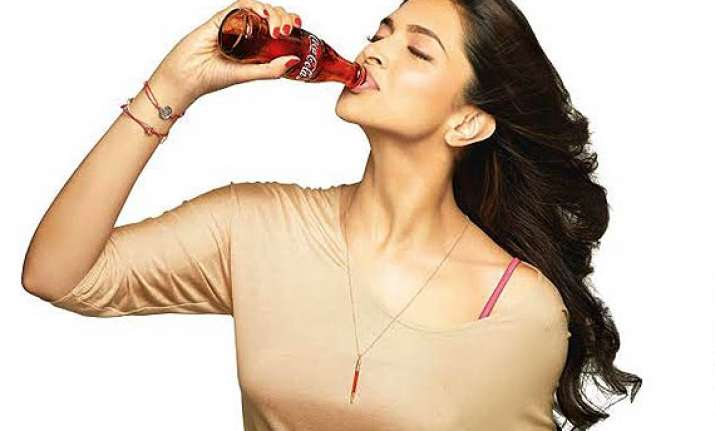 deepika padukone grabs cola brand for rs 6 crore see pics