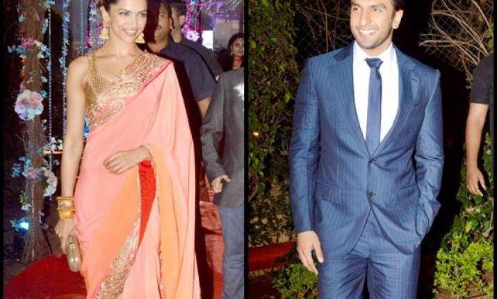 deepika ranveer bond at ahana deol s wedding reception see