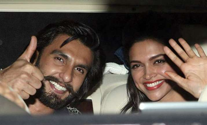 deepika spends time with ranveer in goa before heading to