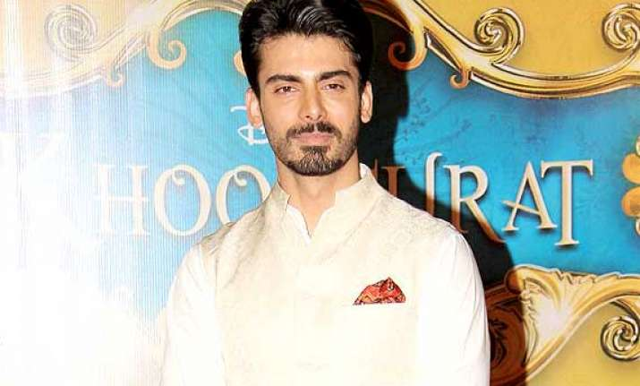 pak actor fawad ignores criticism over doing bollywood film