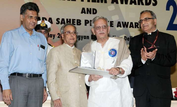 president pranab mukherjee honours legendary lyricist