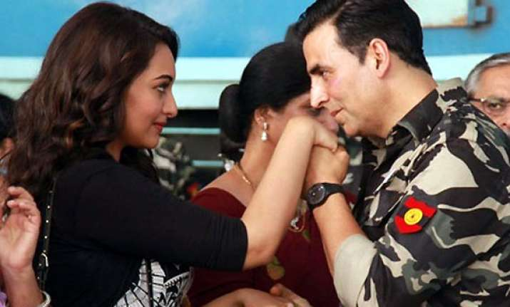 akshay sonakshi starrer holiday to go over rs.50 cr in next