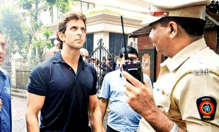 hrithik appeals people to help dead fireman s family father
