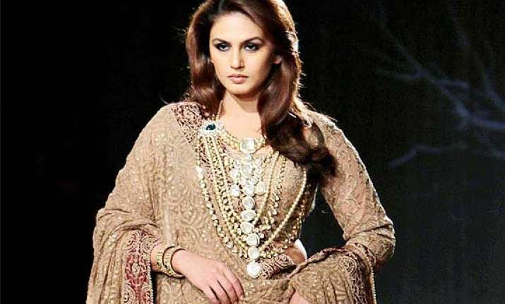 huma qureshi expresses proud on her curves says men prefer