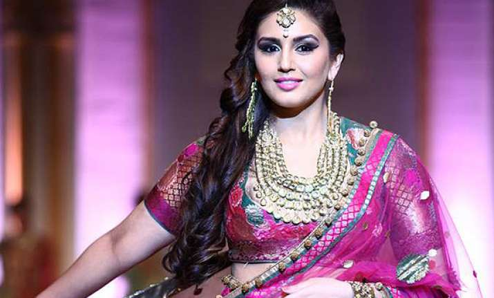 huma qureshi to marry in 2018