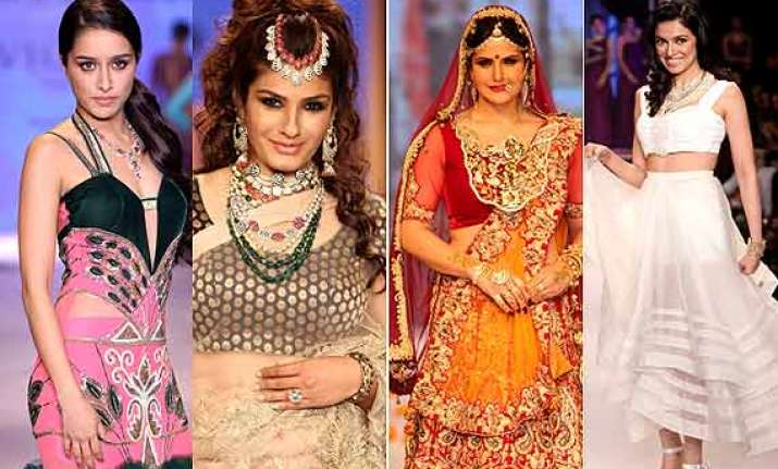 iijw 2014 shraddha raveena zarine divya shine on day 2 see
