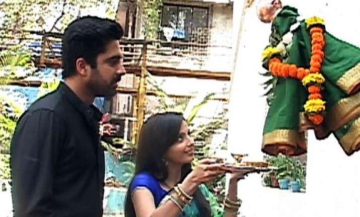 iss pyaar ko... aastha shlok celebrate gudi padwa
