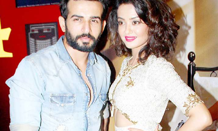 jay bhanushali surveen chawla gear up for extra bold hate