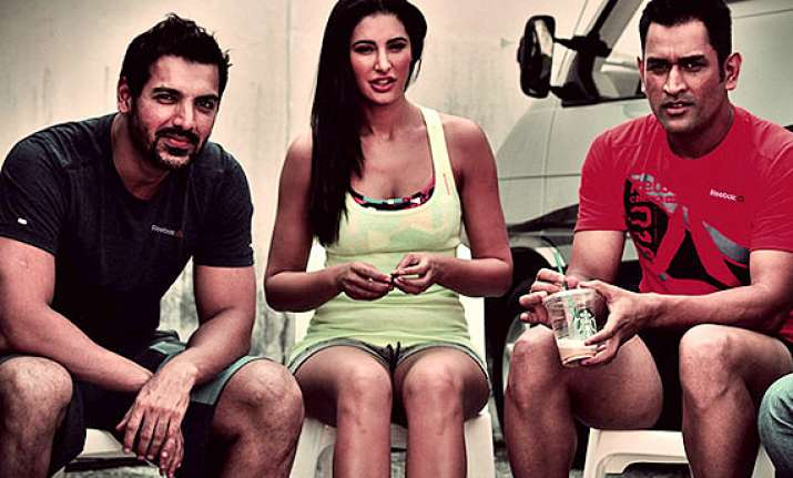 nargis john dhoni urge people to stay fit