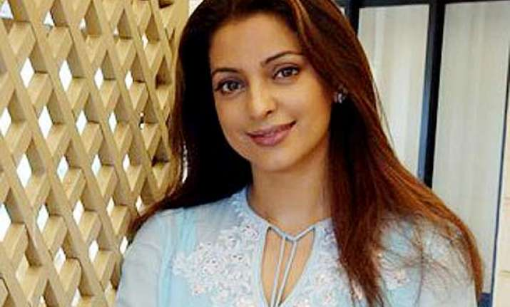 juhi chawla not interested to play mother to grown up