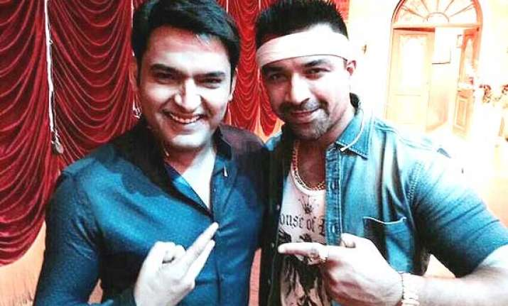 kapil sharma indulge in verbal spat with ajaz khan after