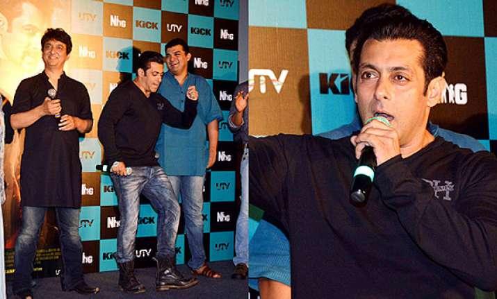 kick trailer launch salman khan unveils the trailer with