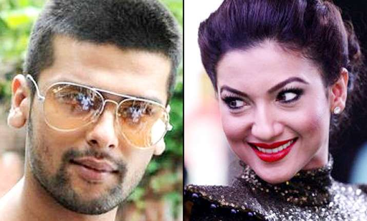 kushal tandon fights in france to save gauhar s honour see