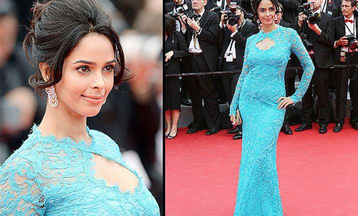 cannes 2014 hot mallika sherawat shows sophistication on