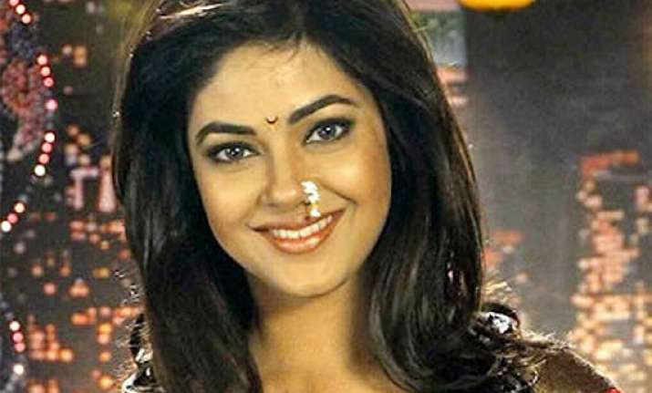 meera chopra happy to be part of gang of ghost