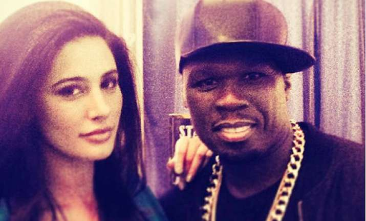 snapshot hot nargis fakhri poses with international rapper