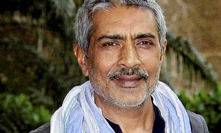 filmmaker prakash jha to contest lok sabha polls from bihar