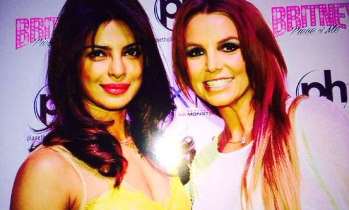 pic priyanka chopra gets clicked with pop sensation britney