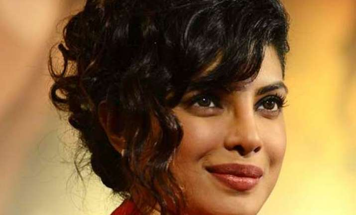 priyanka chopra praised to be a stronger person
