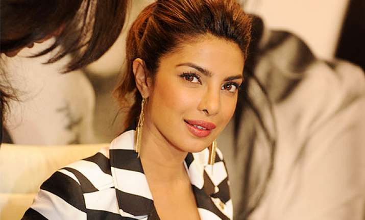after exotic priyanka chopra s new song creates sensation