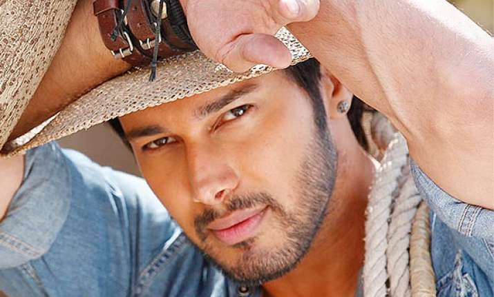 rajniesh duggal wishes for quality work after winning