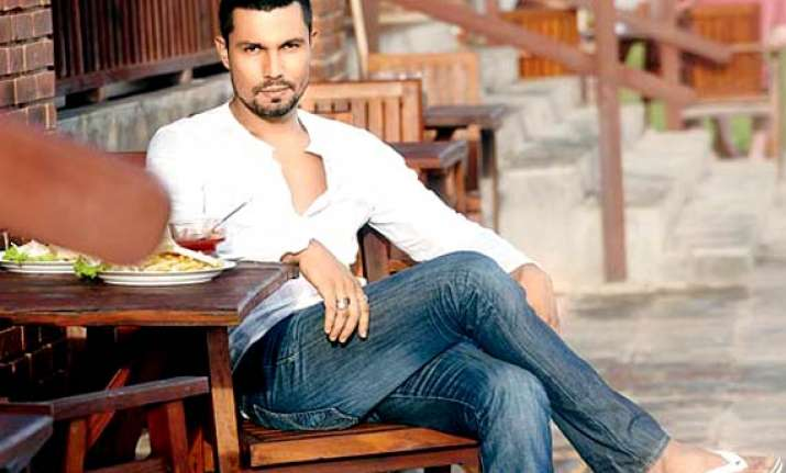 randeep hooda i m with the times not behind it