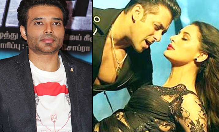 uday chopra gets his kick after watching sensuous nargis in