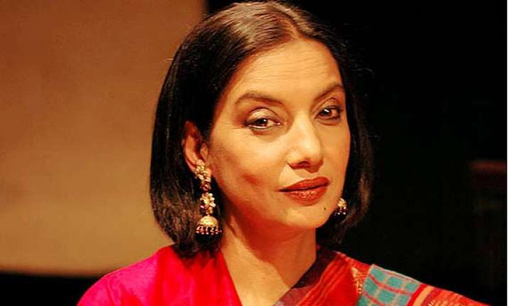 shabana azmi keen to travel despite of back pain