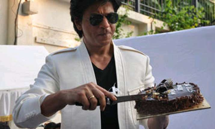 shah rukh invites media for his birthday celebrations