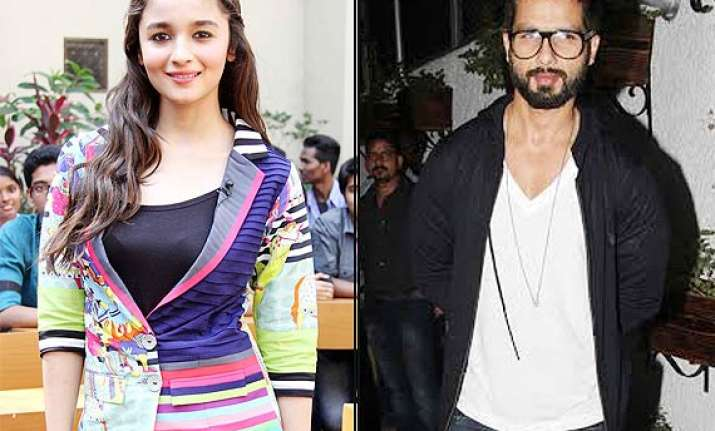 alia bhatt praises shahid says he is a fantastic actor