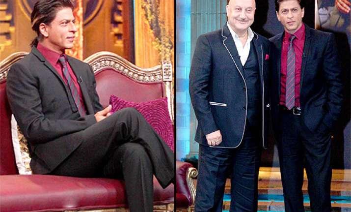 shah rukh khan bonds with anupam kher on kucch bhi ho sakta