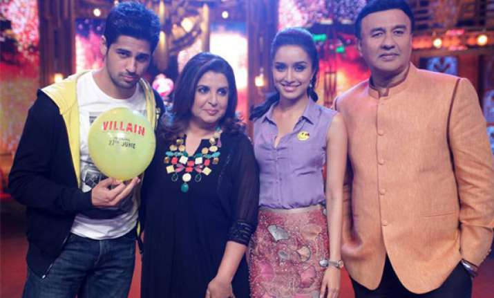 shraddha sidharth on the sets of entertainment ke liye kuch