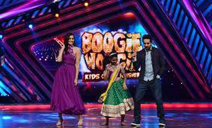 sonam ayushmann moved by acts on boogie woogie