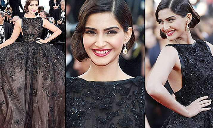 not aishwarya sonam kapoor walks first at cannes 2014 looks