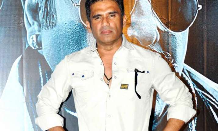 defamation case suniel shetty appears court grants bail
