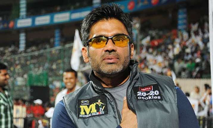 suniel shetty in trouble court fines rs.20 000 for non