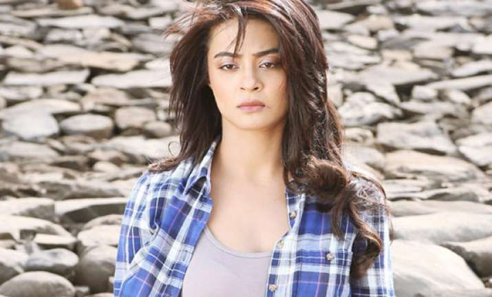 hate story 2 not ideal film for debut surveen chawla