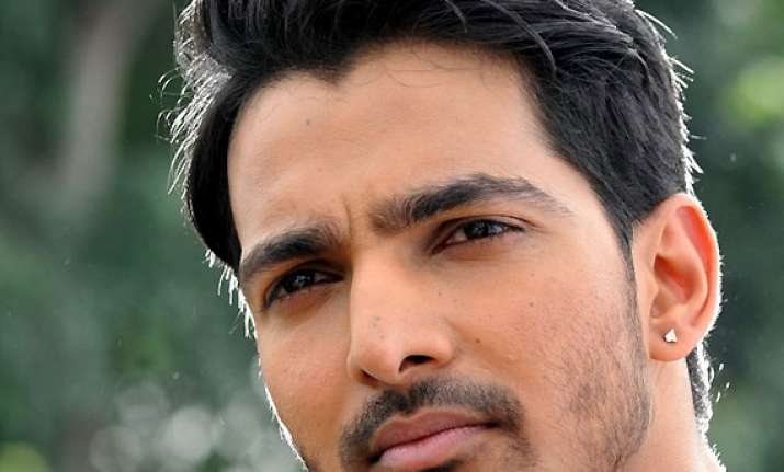 actor harshvardhan rane finds it challenging to romance